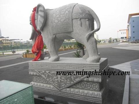底座及大象身上的花纹